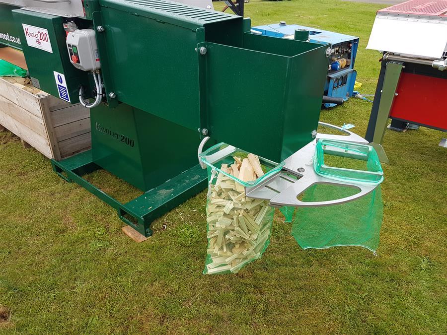 pro xp log splitters pro trailers machinery log bagging machine rotabagga bulk bagging system