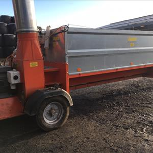 S/H Auer 3 Phase Woodchip Blower & Trough
