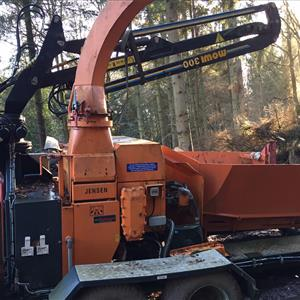 S/H Jensen A041 Chipper With Mowi Crane